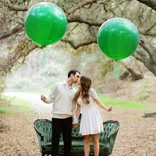 Большой зеленый воздушный шар. Компания onballoon.ru