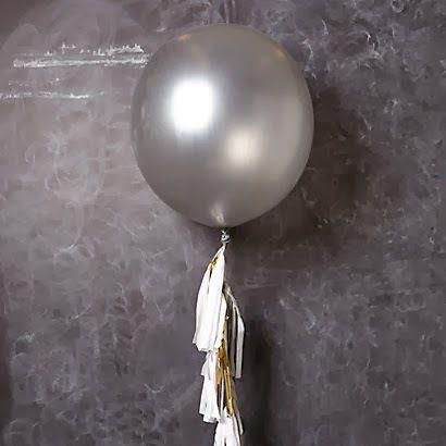 Большой серебряный воздушный шар. Компания onballoon.ru