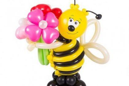 Фигуры из шаров «Пчелка Майя»