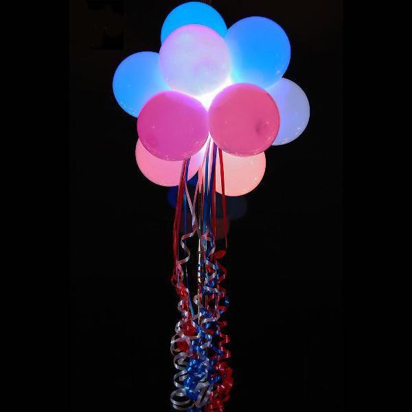 Пучёк из 12 шаров с подсветкой. с гелием. На атласных лентах.
