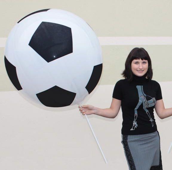 Большой воздушный шар - футбольный мяч. Компания onballoon.ru