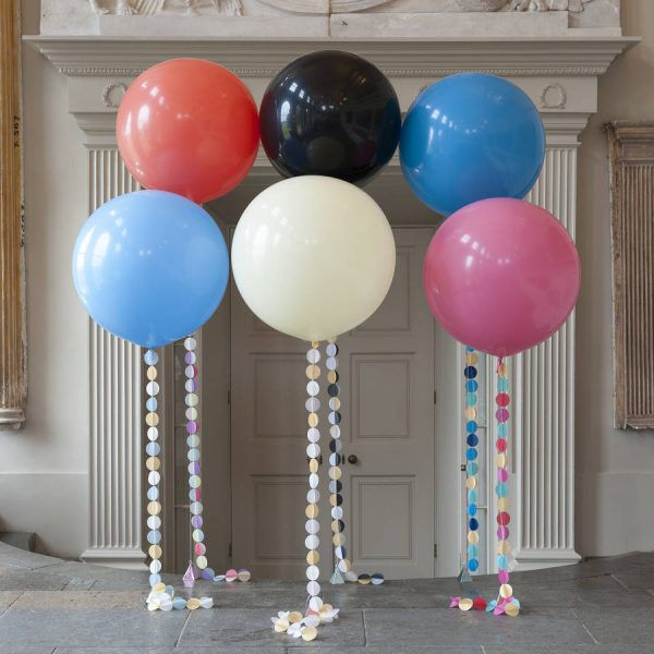 Большой голубой воздушный шар. Компания onballoon.ru