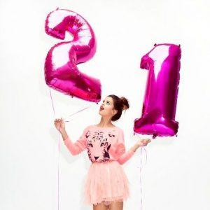 Воздушные шары-цифры цвета фуксия