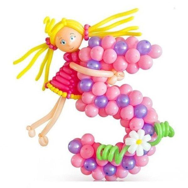 Цифра 5 плетеная из шаров с девочкой
