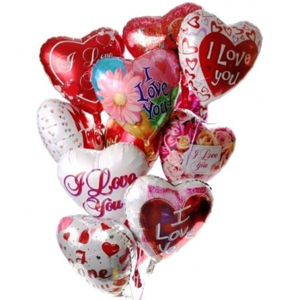 Облако из разных фольгированных сердец «Любовь»