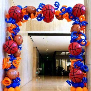 Разнокалиберные арки из шаров