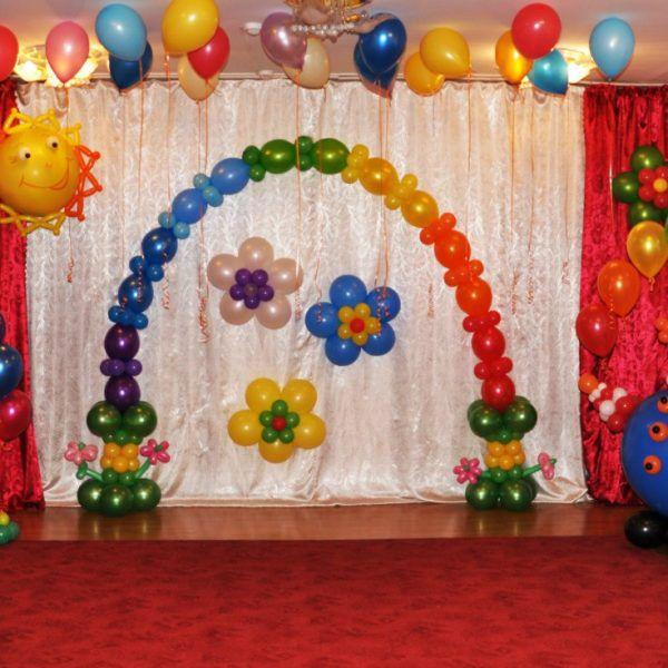 Оформление воздушными шарами выпускного в детском саду. Компания onballoon.ru