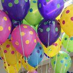 букет шаров с гелием в горошек http://onballoon.ru